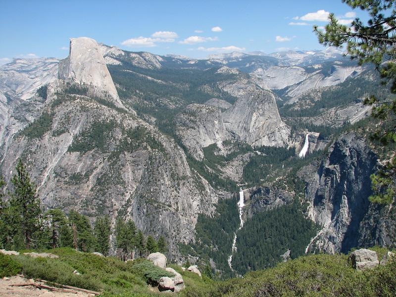 Half Dome 2695m. and El Capitan (Yosemite N.P. Siera Nevada)