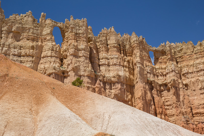 Peek-a-boo loop trail, Utah