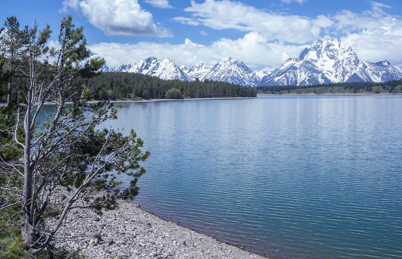 Jackson Lake, 2064m