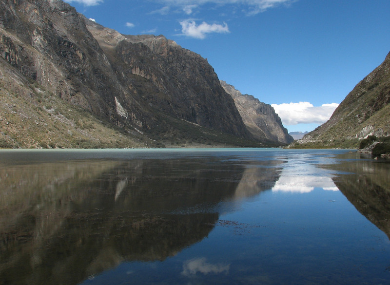 Llanganuco lake (Llanganuco valley 4100m. Parc Nacional Huascaran, Cordillera Blanca)