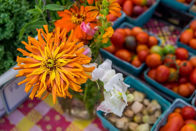 Farmer's Market Flora