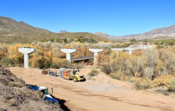 Bridge construction site at the Gila River crossing (2018)