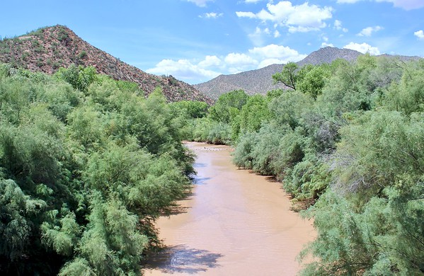 Looking downstream from the historic Gila River bridge (2018)