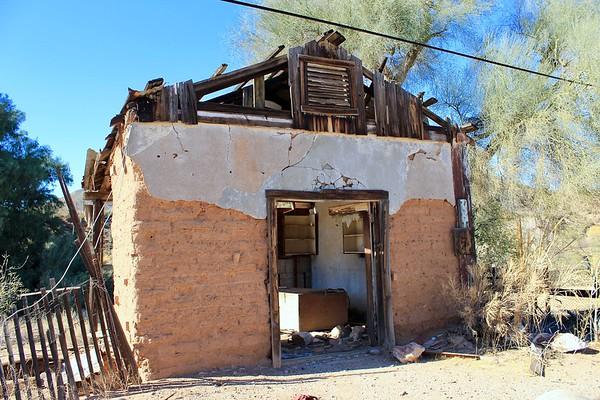 Abandoned service station - Kelvin, Arizona (2018)