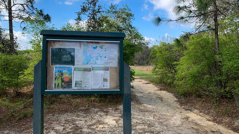 Trailhead kiosk with map