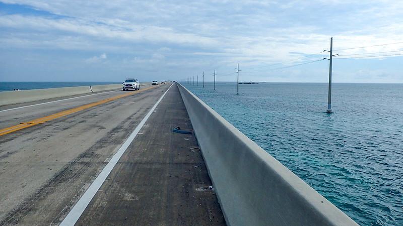 Bike lane on long bridge