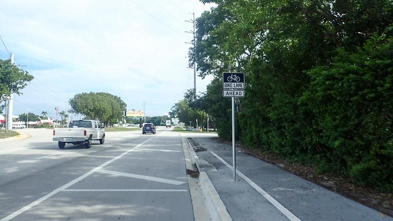 Bike lane resumes sign