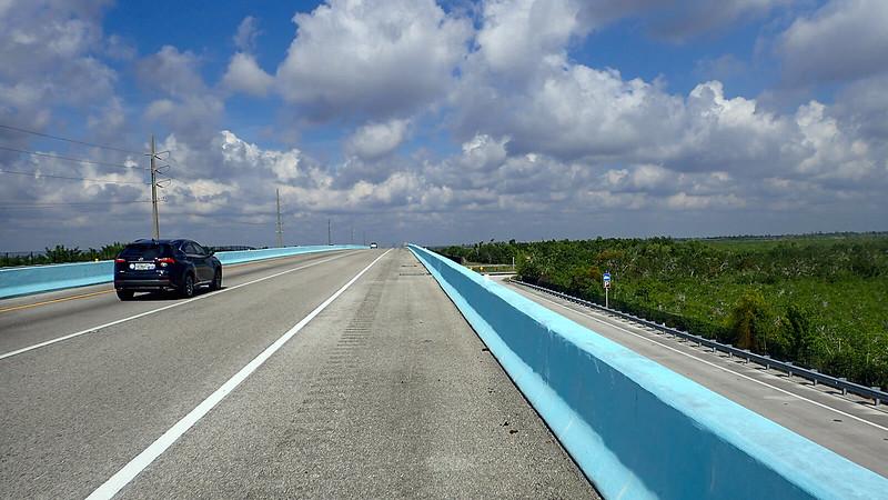 Bike lane over the C-111