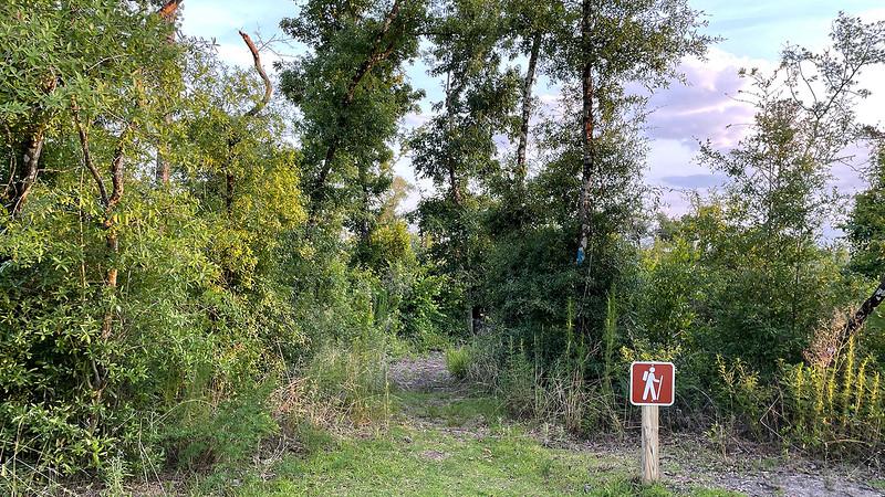 Hiker symbol sign at start of trail