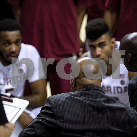 TeamHuddle-1702-10x10