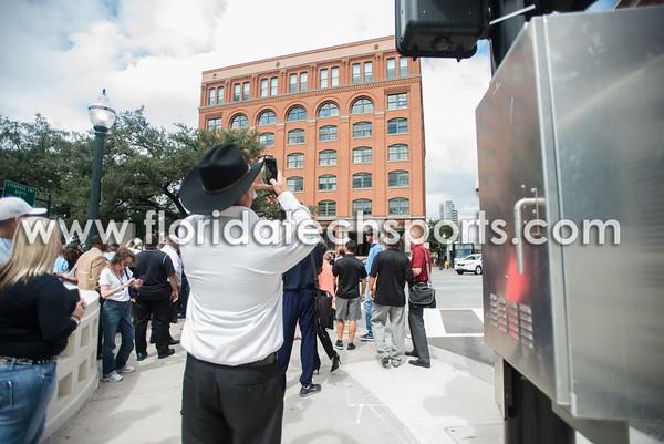 Football-Dallas-TravelDay-10