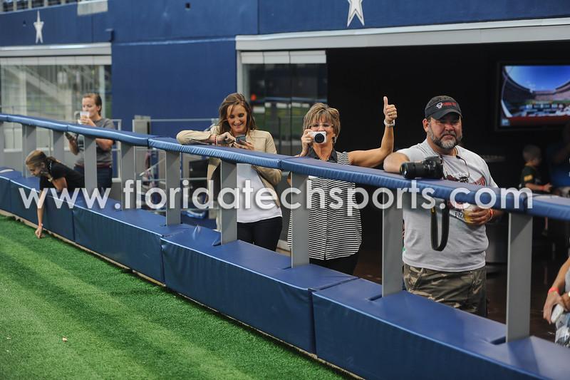 Football-Dallas-17