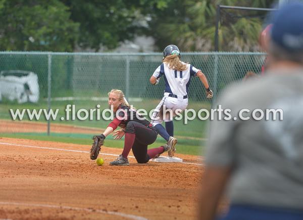 Softball_SeniorDay-10