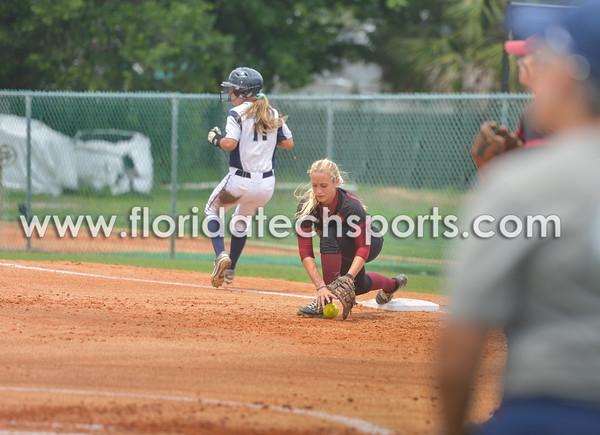 Softball_SeniorDay-11