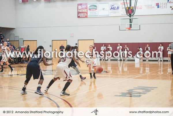 2-27-13WomensBasketball-2