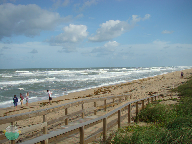 Entrance to Apollo Beach.