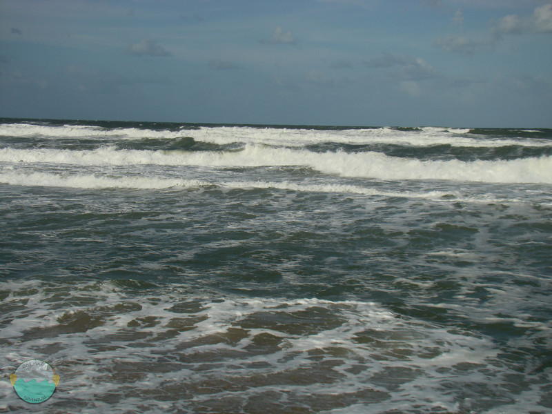 Waves coming in and out on Apollo Beach.