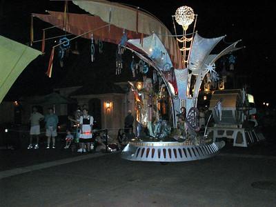 24 Epcot Center - Night Parade