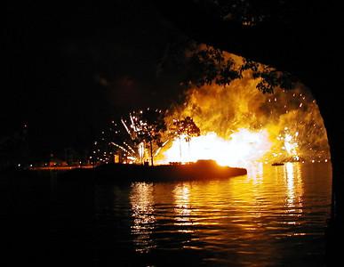 17 Epcot Center- Illuminations