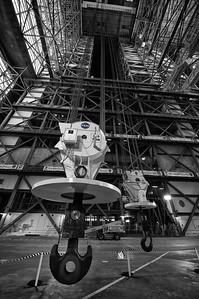 325 ton crane NASA
