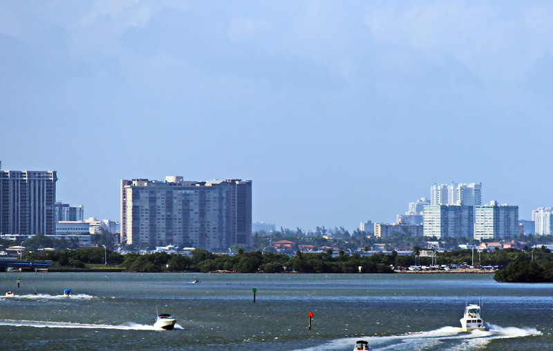 Recreational Boating on Biscayne Bay