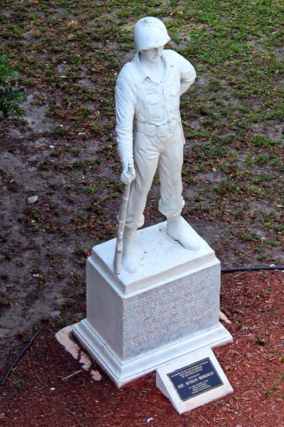 Statue pf Sgt. Hyman Bergman