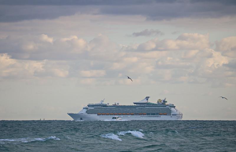 Mariner Seas Cruise Ship