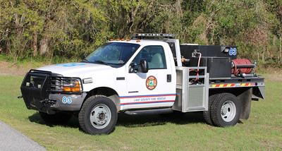 Brush 83.  2000 Ford F-450 / Lake County Fire   250 / 350 / 10F