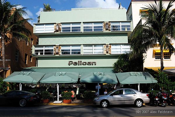 Pelican Hotel - Ocean Drive