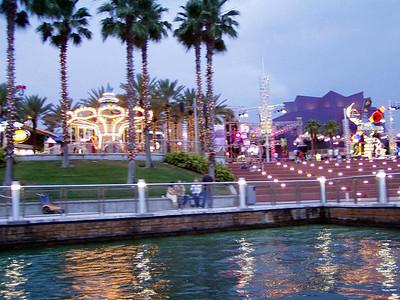 14  Universal City