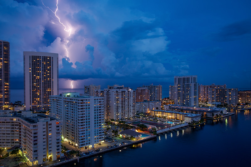 Lightning, Hallandale Beach