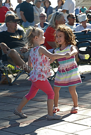 Dancing to music of Big Coque band