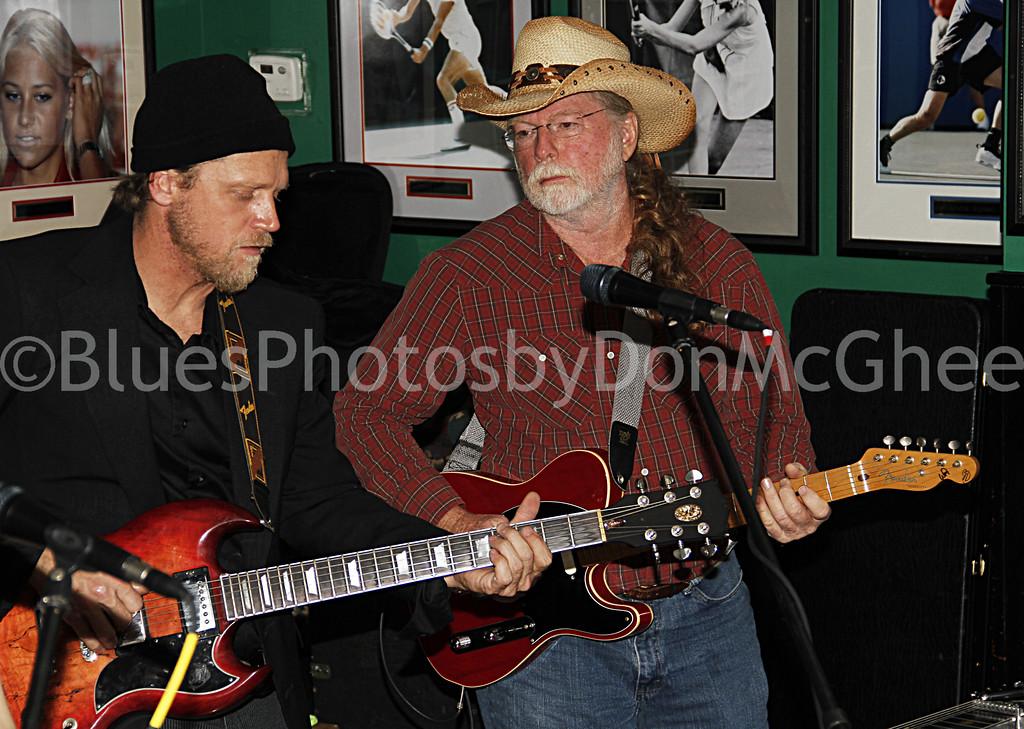 Tim O'Donnell, Jerry Tillman<br /> Nouveaux Honkies band