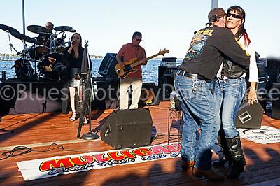 Melinda Elena band & dancers