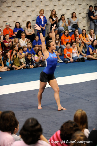 (Casey Brooke Lawson / Gator Country) UF freshman Elizabeth Mahlich showcases floor skills during the University of Florida gymnastics fan day in Gainesville, Fla., on January 4, 2009.