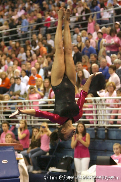photo by Tim Casey<br /> <br /> Florida junior Maranda Smith earns a 9.950 on the vault during the Gators' 195.925-193.850 win against the Kentucky Wildcats on Friday, January 30, 2009 at the Stephen C. O'Connell Center in Gainesville, Fla.