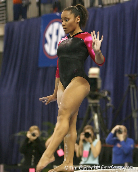 photo by Tim Casey<br /> <br /> Florida junior Melanie Sinclair earns a 9.725 on the beam during the Gators' 195.925-193.850 win against the Kentucky Wildcats on Friday, January 30, 2009 at the Stephen C. O'Connell Center in Gainesville, Fla.