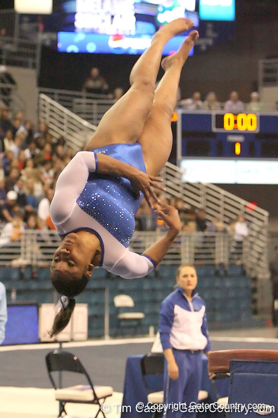 photo by Tim Casey<br /> <br /> Florida junior Melanie Sinclair earns a 9.850 on the vault during the No. 1-ranked Gators' 196.50-196.25 win against the No. 4-ranked Auburn Tigers on on Friday, January 16, 2009 at the Stephen C. O'Connell Center in Gainesville, Fla.