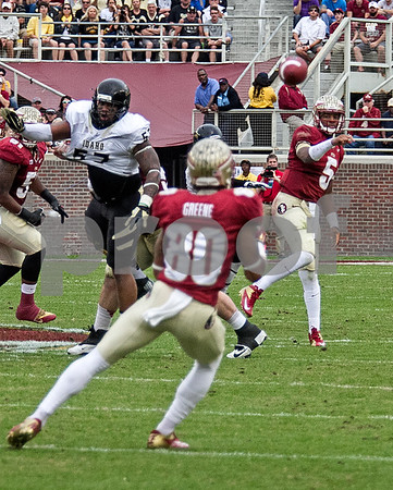 QB Jameis Winston hits Rashad Greene for Winston led another great offensive showing as the Seminoles set a school record for most points scored as they dominated Idaho 80-14 in the last home game of the season.  Winston threw for 4 touchdowns on the day.