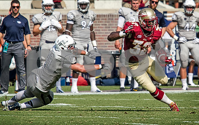 Running back James Wilder jukes out Nevada LB Jordan Dobrich. Wilder ended up with 45 yards on 6 carries and a nice 7.5 avg per run. The Seminoles defeated the University of Nevada 62-7 Saturday as Florida State improved to 2-0 on the season.
