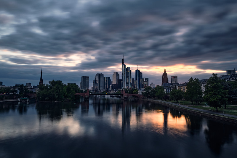 touching the sky | frankfurt, germany