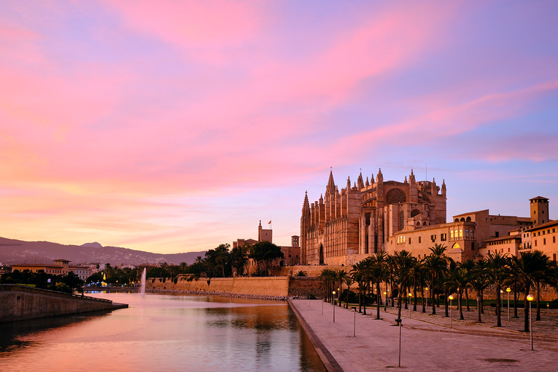 wrapped in pink | palma, spain