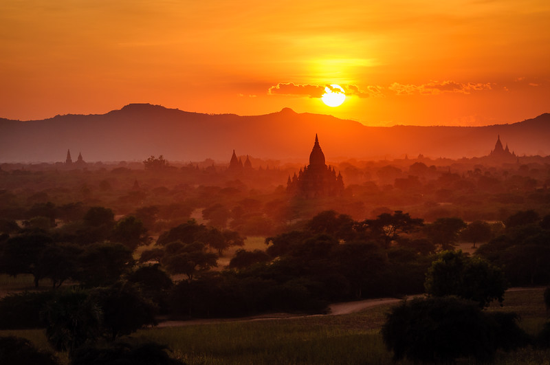 golden bagan | bagan, myanmar