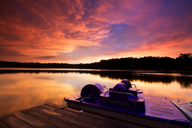The setting sun creates brilliant colors at Lincoln State Park.