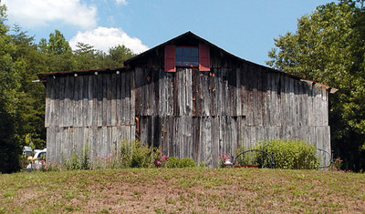 View of Barn from parking area.<br /> Erin's Meadow Herb Farm<br /> Clinton, TN<br /> 6/20/07