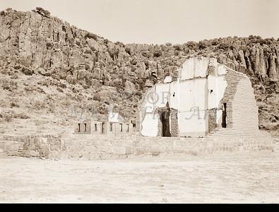 1009.305 Fort Davis Texas Antique Black and White