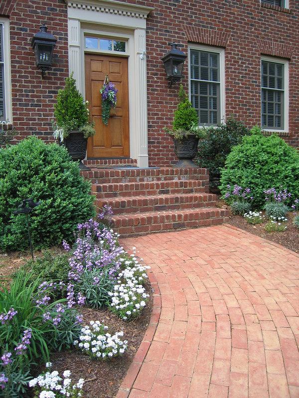 Rita Bigham's garden - pathway to front door