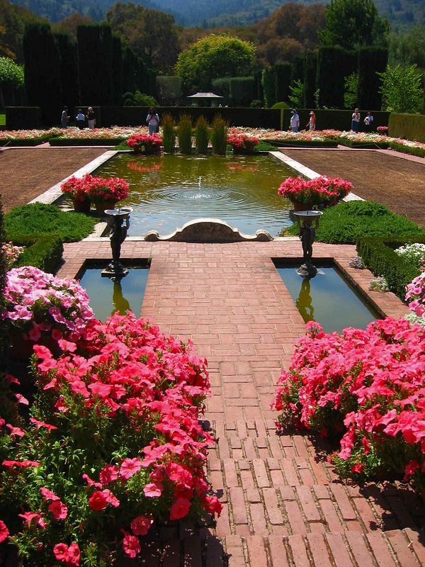 Sunken gardens pond