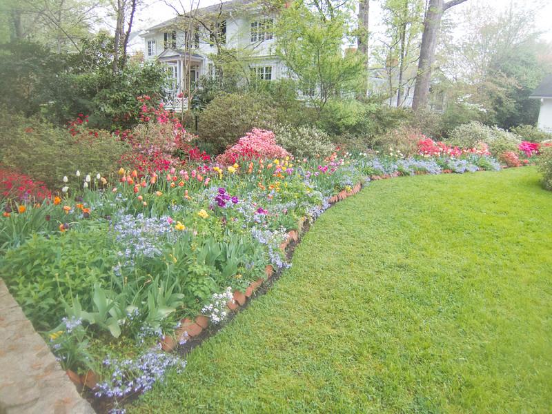 C 04152015 Sisters' Garden, Chapel Hill NC (01-, 1324p) (garden)