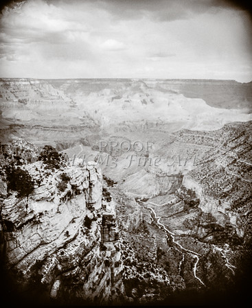 1008.640 Grand Canyon In  Black and White